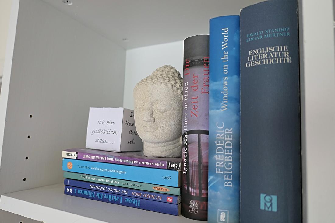 decorating a bookshelf, billy dekorieren