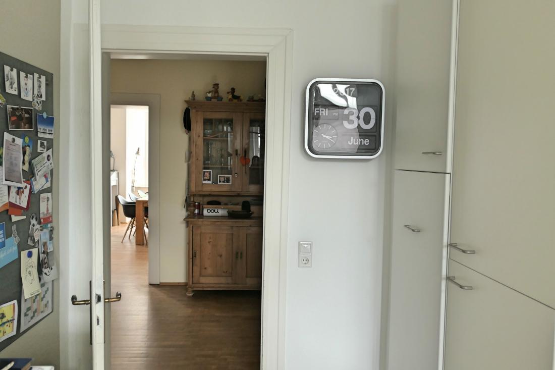 Altbauwohnung Interiors Antiquitäten und Design flip clock